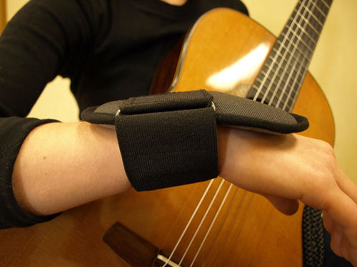 Practice-Right wrist support for Children